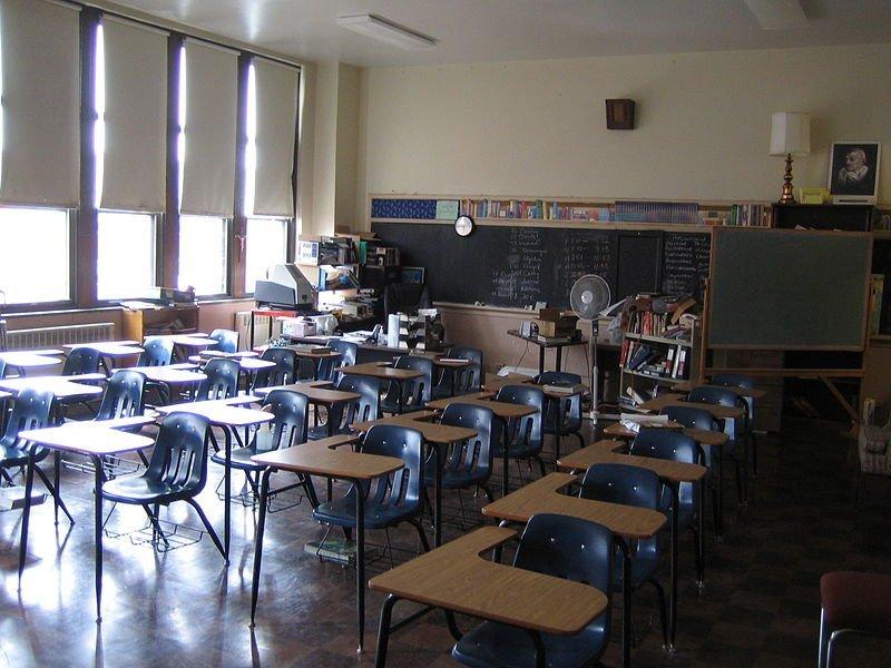 Crise financeira: 3 dicas para evitar a evasão de alunos em sua escola