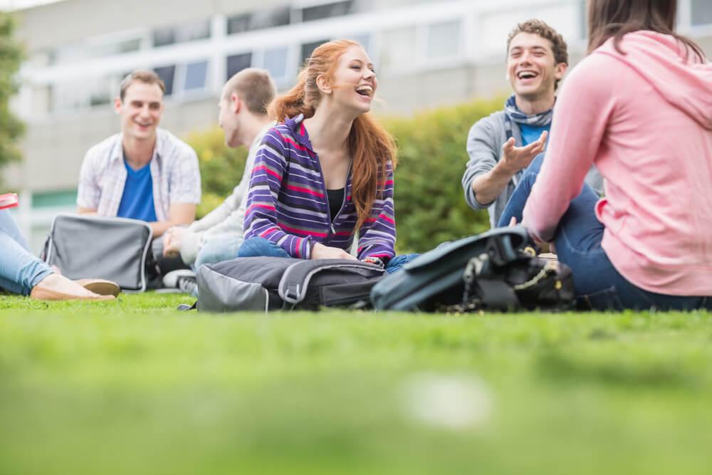 5-praticas-para-melhorar-a-comunicacao-entre-escola-e-alunos.jpeg